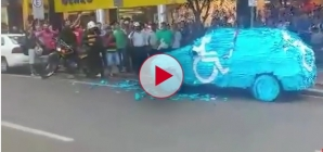 Brazilian Man Parks in Handicapped Spot, Finds His Car Covered in Sticky Notes.