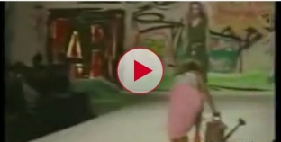 Model falls on Catwalk, News reporter cracks up laughing! Must Watch!