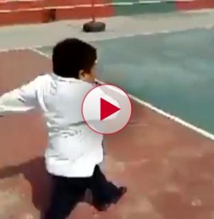 Fat kid cheats at school race and still comes last. LOL