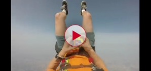 Rubix cube solved in 1 minute skydive free fall. Totally Amazing!